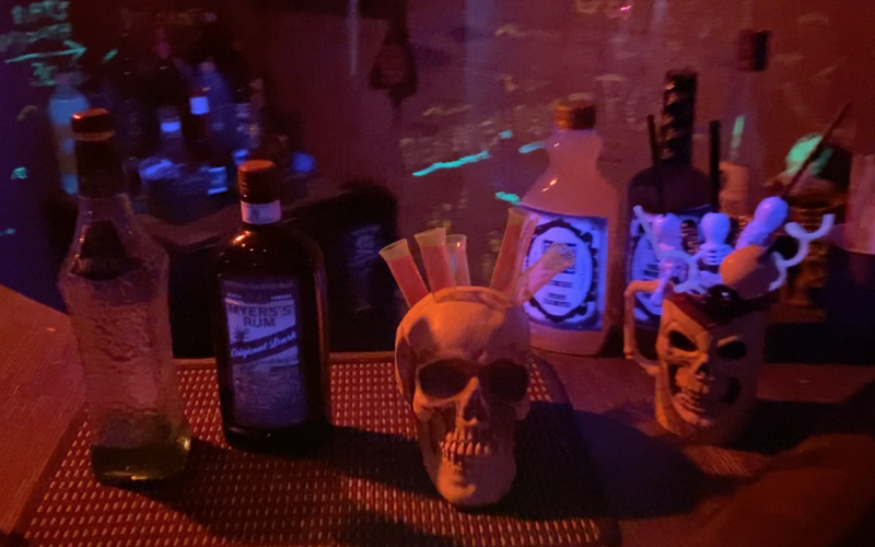 iki-Bar-Chris-Pinto-Halloween-Skull-Zombies