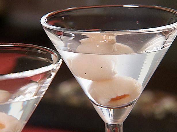 Tiki culture tiki news tiki chris pinto 39 s tiki lounge for Cocktail litchi